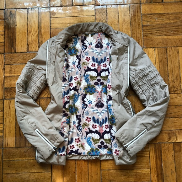 Free People Jackets & Blazers - Free People floral liner jacket